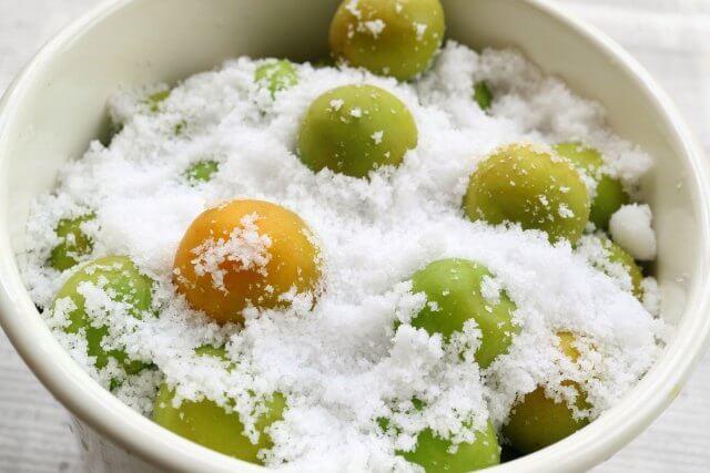 梅干しの簡単な塩抜き方法と活用法紹介!しょっぱくても食べやすい!