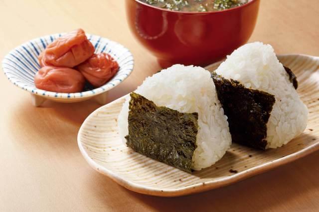 紀州南高梅を使った梅干しおにぎりレシピの作り方♪シンプル~アレンジまでご紹介!